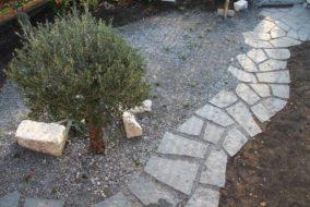 Mosaik aus Tessiner Granit - Breite Fugen
